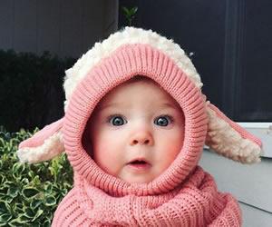 ピンクとホワイトのヒツジさんの帽子