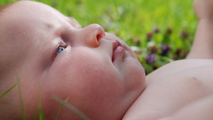 結膜炎に罹り目がゴロゴロする赤ちゃん