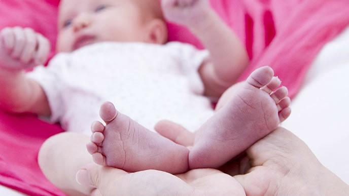 赤ちゃんの可愛い足の裏