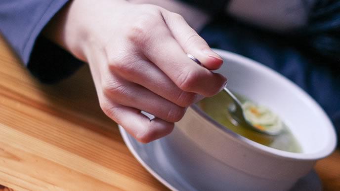 初乳の出を良くするために体を温めるスープ