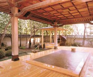 信州・上諏訪温泉 琥珀色の自家源泉を持つ宿「ホテル鷺乃湯」の画像