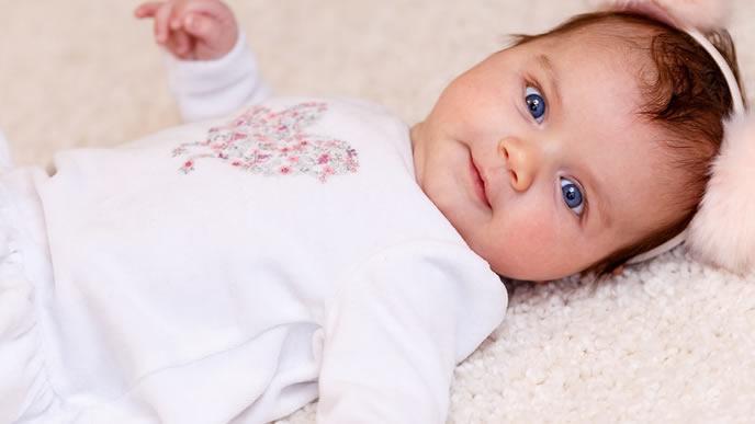 ママの顔を認識した生後2ヶ月の赤ちゃん
