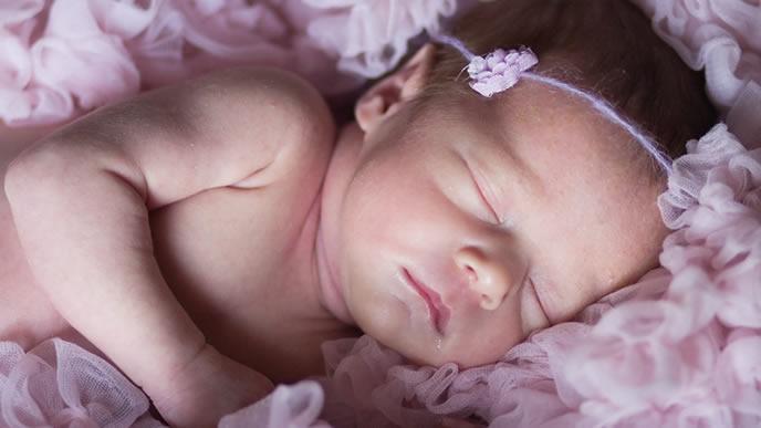 朝まで眠る生活リズムになった赤ちゃん