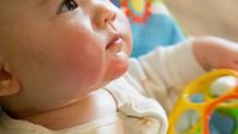 3ヶ月の赤ちゃんの発達と遊び方