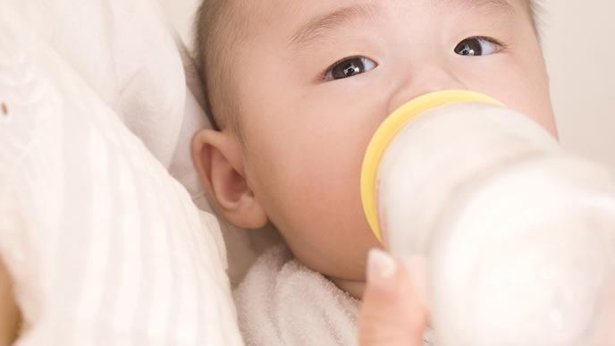 ミルックの飲みっぷりがいいすくすく育つ赤ちゃん