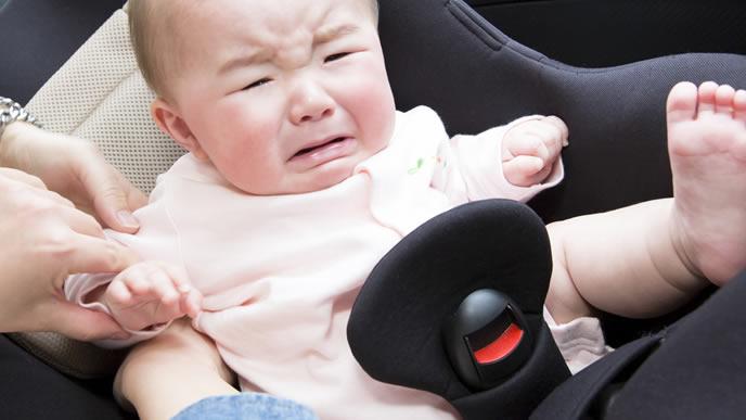 赤ちゃんの口内炎の治療法に戸惑い慌てるママ