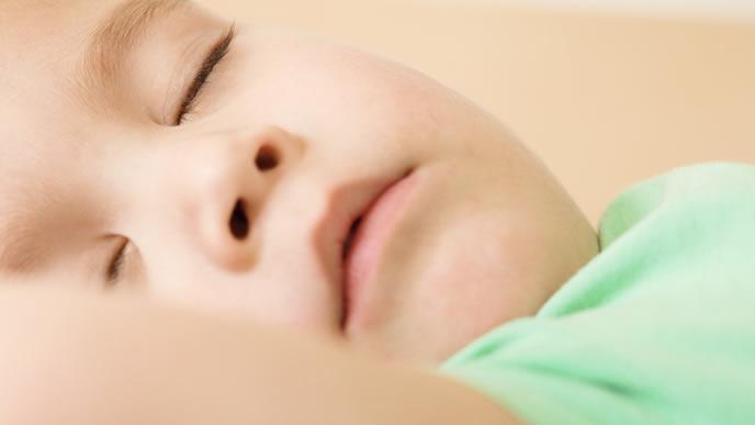小さい時から慢性的なアレルギーでいびきをかく赤ちゃん