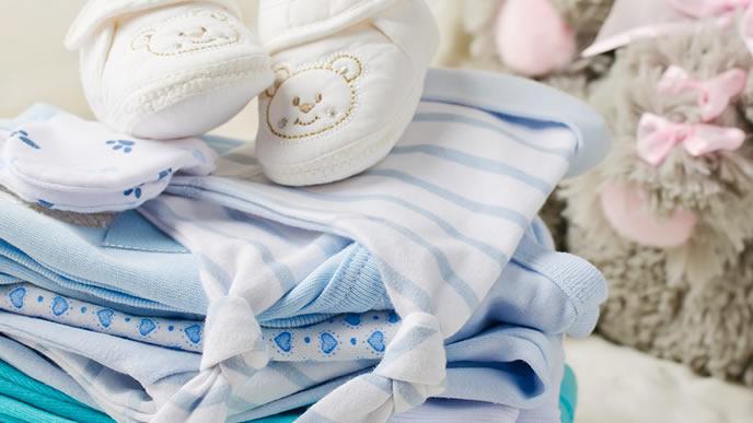 青が可愛いベビー服とベビー靴