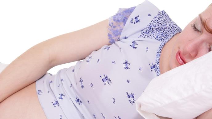 出産兆候が出て自宅で安静にしている女性
