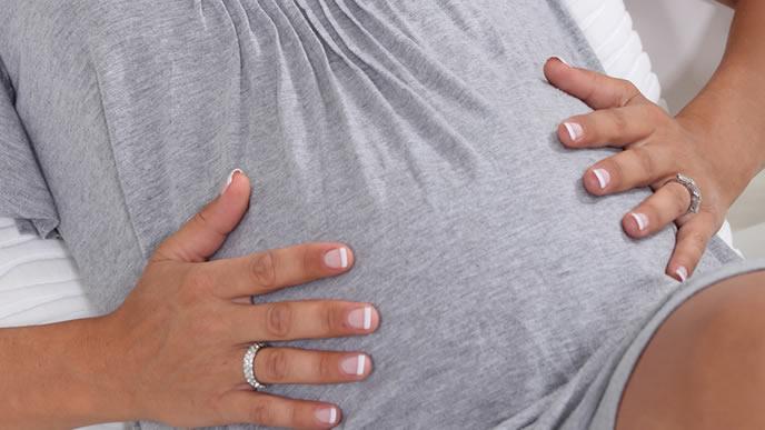焼き肉を食べると陣痛が起こるジンクスを信じる妊婦