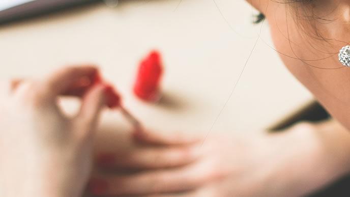 体のホルモンバランスが崩れた妊娠超初期症状がある女性