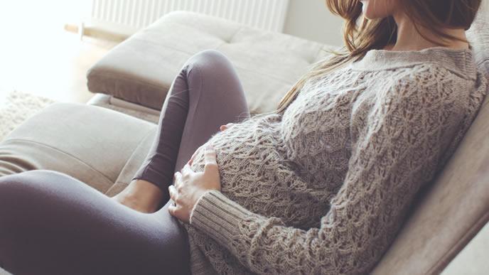 出産までの1人の時間をリラックスして過ごす経産婦