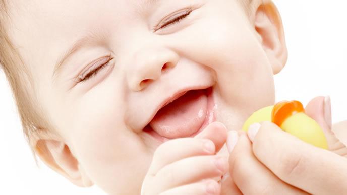 鼻血が出ない環境作りをしてくれたママに感謝する赤ちゃん