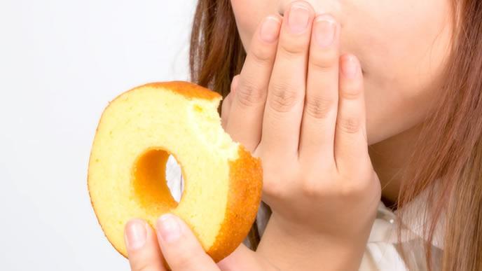 食欲が増している妊娠中の女性