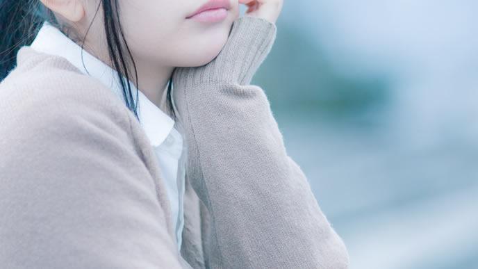 妊娠2ヶ月目の体調の変化に戸惑う女性