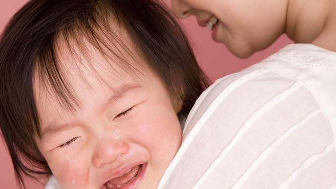 夜泣きでギャン泣き中の赤ちゃん
