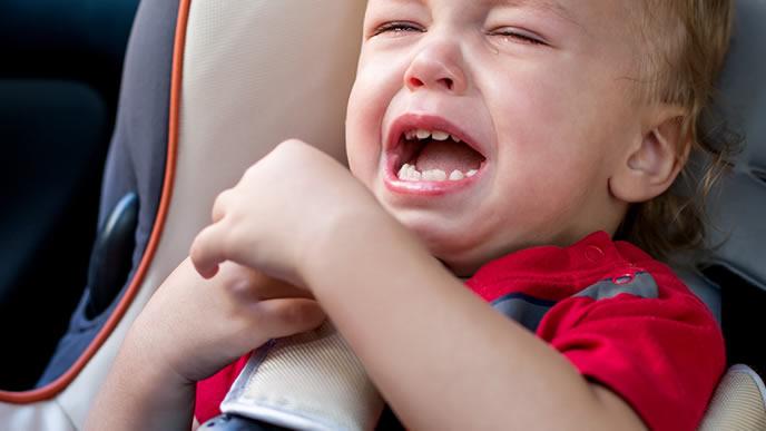 いつもと様子が違う泣き方をする赤ちゃん
