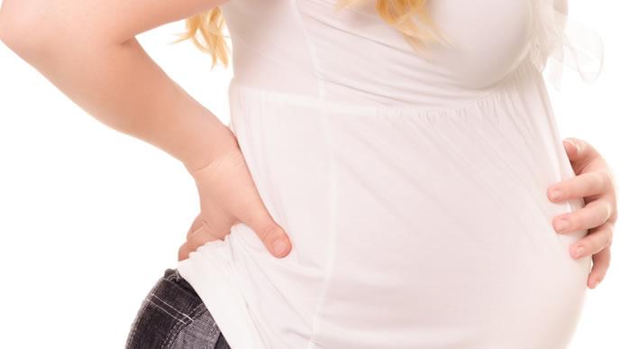 慢性の腰痛で辛い思いをする妊婦さん
