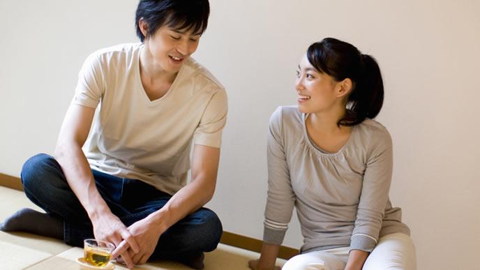 妊娠計画を話し合う夫婦