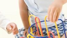 0歳児はおもちゃで知的好奇心を刺激!遊び方とおすすめ商品