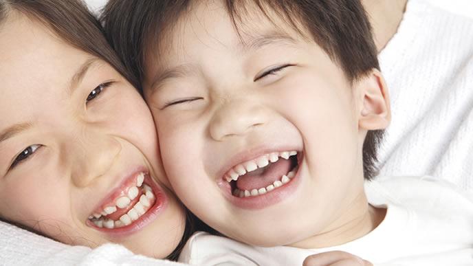 元気に育ったカワイイ笑顔の子供