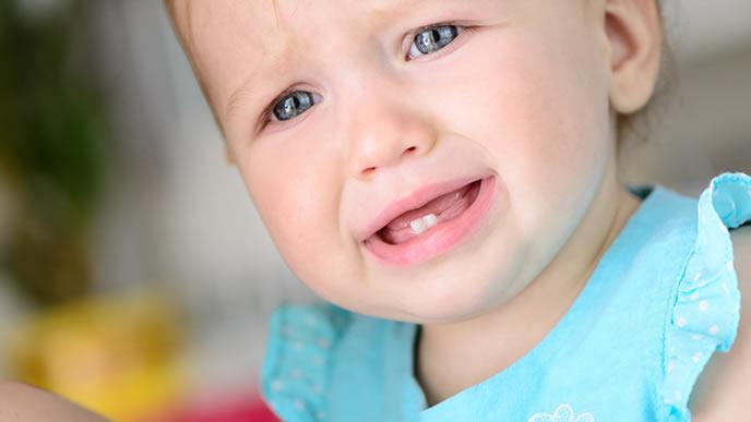 ママを探して夜中にギャン泣きする赤ちゃん