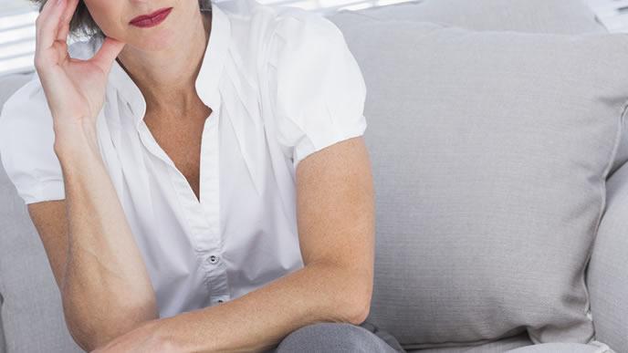 妊娠検査薬で陰性が出たため想像妊娠を疑う女性