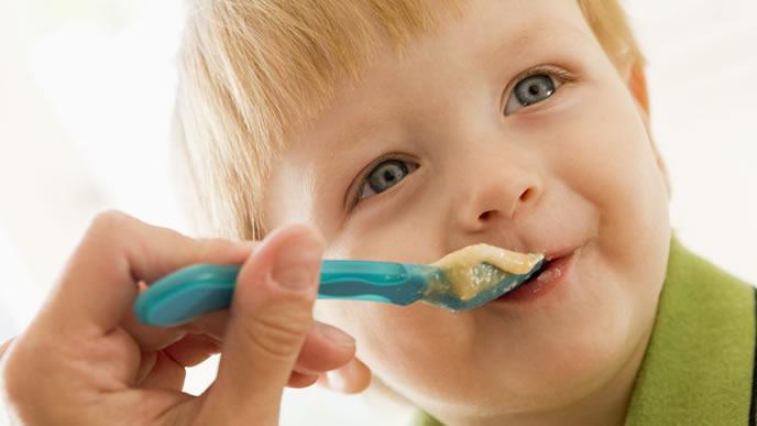 咳が出ても食べやすい離乳食を用意してもらった赤ちゃん