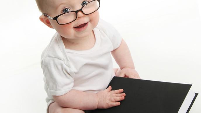キンカンを使うときのポイントを説明してくれる赤ちゃん