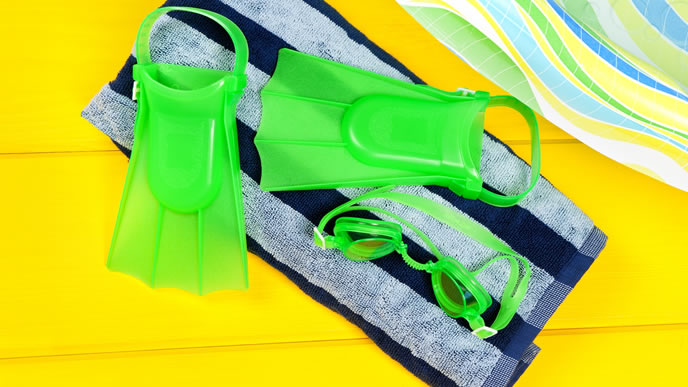 ビニールプールで遊ぶための道具