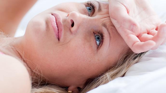 吐き気が止まらない妊娠初期の女性