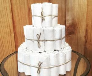 3段重ねのオムツケーキの画像