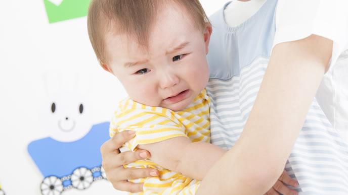具合が悪く泣き出した赤ちゃん