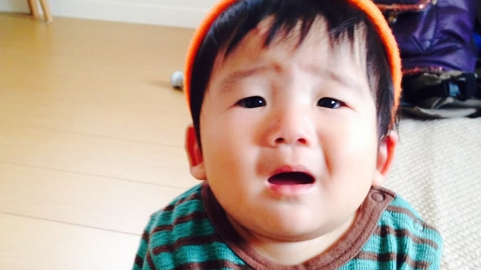 ヘルパンギーナが完全に治らず不機嫌な赤ちゃん