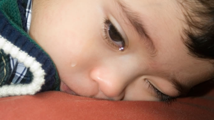 いつもより元気がなく泣き出してしまった赤ちゃん
