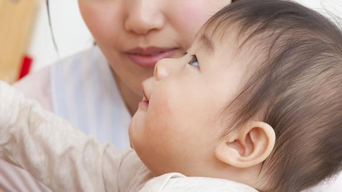 滲出性中耳炎になり耳が遠い赤ちゃん