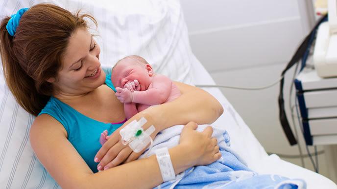 無事に出産を終えた妻と赤ちゃん