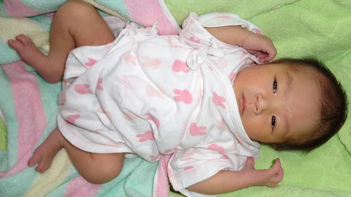 寝付けずに不機嫌になる赤ちゃん