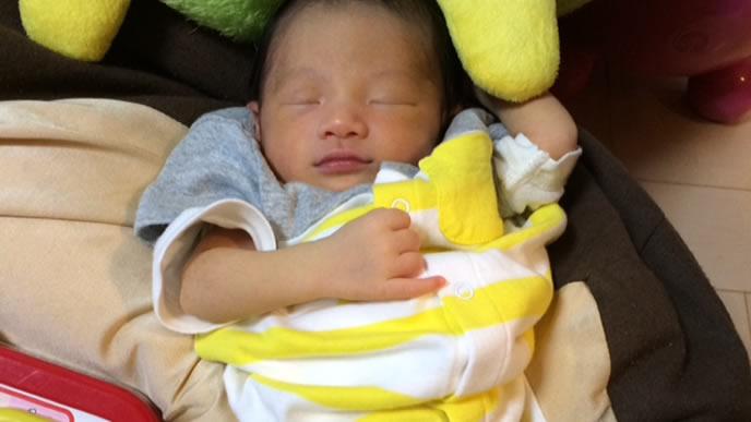 新生児黄疸の治療が終わり自宅に帰ってきた赤ちゃん