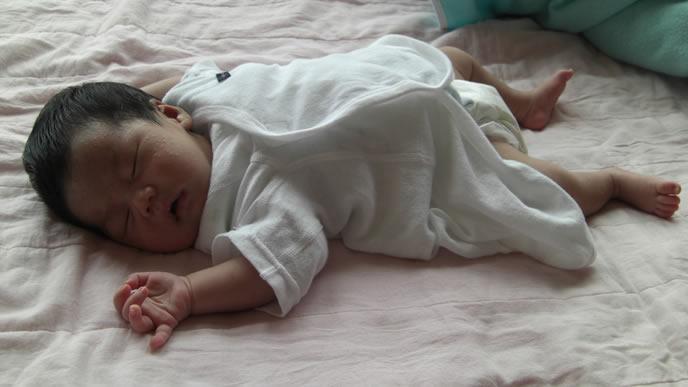 生まれたての新生児