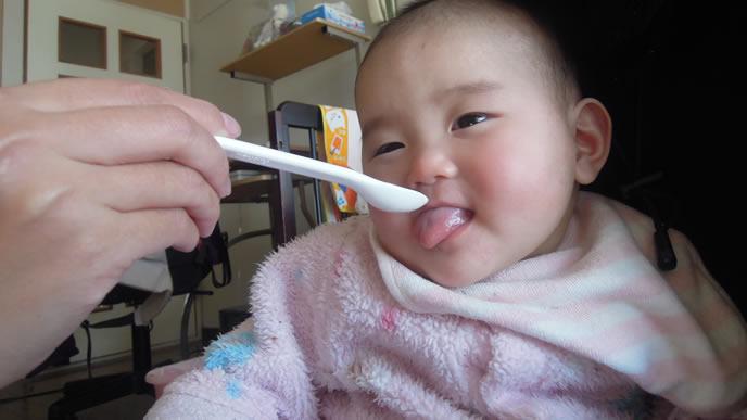 一口で苦手な離乳食と分かった赤ちゃん