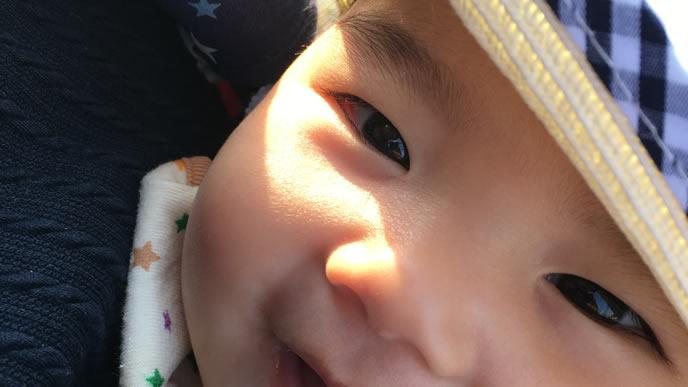 乳糖不耐症が治り元気におでかけする赤ちゃん