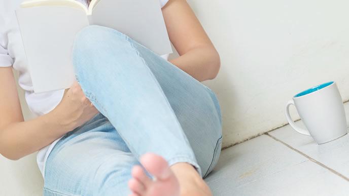 羊水検査について本で調べる妊婦