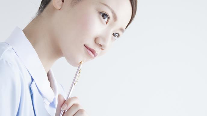 母体血清マーカーテストについて考える看護師