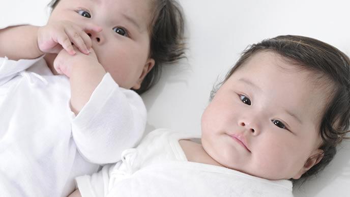 無事に生まれた双子の赤ちゃん