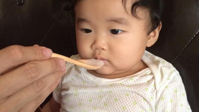 おかゆの離乳食を断固として断る赤ちゃん