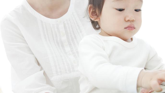 赤ちゃんを母乳育児で育てているママ