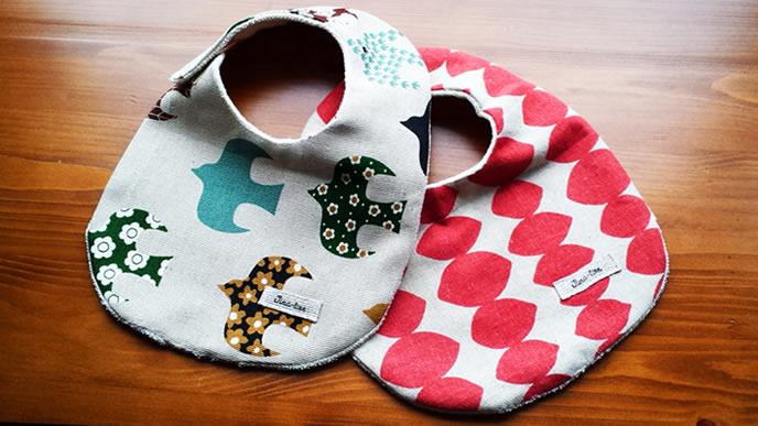 赤ちゃんが喜ぶ鮮やかな柄の手作りスタイ