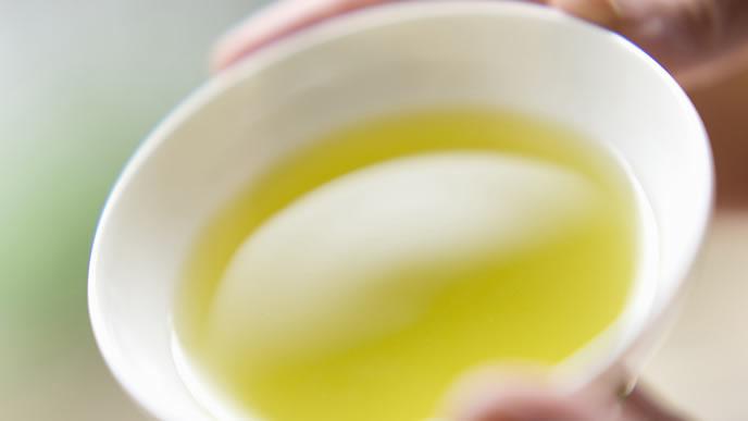 綺麗な色味の緑茶