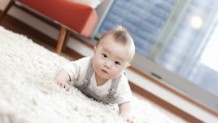 赤ちゃんの後追いはいつから?しつこい後追い期の対処法